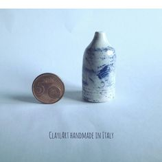 Una nuova miniatura un ceramica. Vaso modellato al tornio di appena 4 cm. ClaylArt handmade in Italy #claylart #claudiaaltavilla  Guarda questo articolo nel mio negozio Etsy https://www.etsy.com/it/listing/495439043/vaso-in-ceramica-miniatura-modellata-al