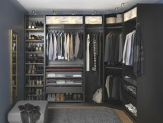 If you're dreaming of a luxury walk-in closet in your home, you're definitely not alone. Visit our gallery of luxurious walk-in closet designs. Closet Walk-in, Ikea Closet, Master Closet, Black Closet, Closet Space, Walking Closet, Walking Wardrobe Ideas, Wardrobe Storage, Bedroom Storage