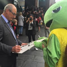 Wishing you all a turtle-y awesome weekend! Here's a pic from the week that was - @kochie_online autographing Myrtle the Turtle's sign in Martin Place Sydney. This was after Myrtle had been chased by the Plastic Bag monster on the way to handover a 20000 strong plastic bag petition. #BanTheBag