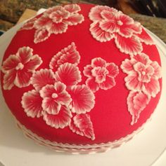 Brush embroidery: a cake decorating technique that is so elegant, and so easy! You'll simply an already-covered cake, a paintbrush, and some thinned buttercream icing in an icing bag (the sma… Cake Piping Techniques, Cake Decorating Techniques, Cake Decorating Tips, Royal Icing Flowers, Buttercream Flower Cake, Buttercream Icing, Cupcakes, Cupcake Cakes, Deco Floral