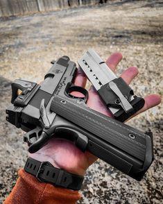 This custom 1911 is dope! Kimber 1911, Colt 1911, Weapons Guns, Guns And Ammo, Revolver, Tactical Gear, Tactical Pistol, Tactical Shotgun, 9mm Pistol