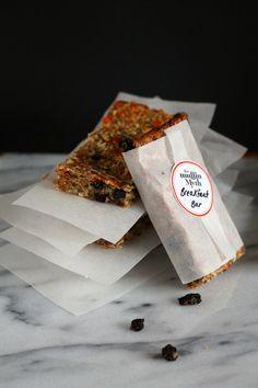 make and freeze breakfast bars {vegan and gluten free} // themuffinmyth.com