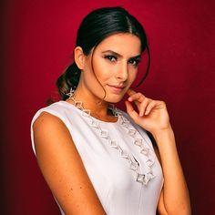 Jewelry Collection, Jewelry Design, Sari, Culture, Fashion, Saree, Moda, Fashion Styles, Fashion Illustrations