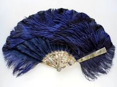 Duvelleroy, Midnight Bird Fan - 18 ostrich feathers silk origami gaurds and sticks over green mother-of-pearl Antique Fans, Vintage Fans, Hand Held Fan, Hand Fans, Vintage Outfits, Vintage Fashion, Victorian Fashion, Gilded Age, Ostrich Feathers