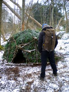 100 Wild Huts: Wild Hut 19. Making outdoor shelters from scratch.