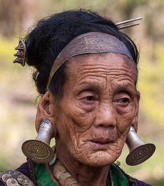 India | Elderly Digaro Mishmi woman.  Hayuliang, Arunachal Pradesh | ©Frans Devriese