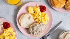 Kittencal's Sausage Sawmill Gravy (With Biscuits) Recipe - Genius Kitchen Hot Sausage, Spicy Sausage, Sausage Rolls, Turkey Sausage, Sausage Gravy, Whole Wheat Spaghetti, Baked Pork Chops, Biscuits And Gravy, Chicken Parmesan Recipes