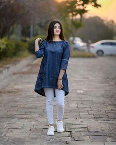 Pakistani Fashion Casual, Pakistani Dresses Casual, Pakistani Dress Design, Casual Dresses, Stylish Dresses For Girls, Stylish Dress Designs, Designs For Dresses, Designer Party Wear Dresses, Kurti Designs Party Wear