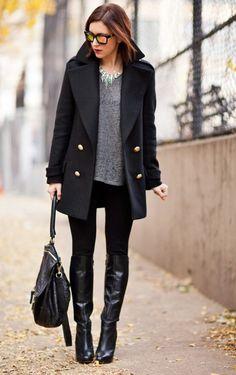 abrigo negro y botas largas