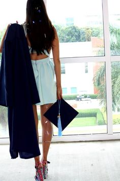 Graduation pose for college or high school graduation #fau #FloridaAtlanticUniversity