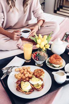 Unwind :: New Getaway Fave Romantic Breakfast, Hotel Breakfast, Breakfast Tray, Mothers Day Breakfast, Birthday Breakfast, Best Breakfast, Healthy Breakfast Recipes, Brunch Recipes, Breakfast Photography
