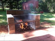 48 ideas backyard bbq grill design cinder blocks – Famous Last Words Backyard Fireplace, Fire Pit Backyard, Backyard Bbq, Backyard Ideas, Firepit Ideas, Backyard Kitchen, Fireplace Ideas, Outdoor Ideas, Cinder Block Fire Pit