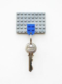 DIY lego keyholder - great idea!