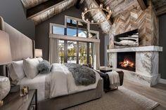 hotel bedroom Breathtaking mountain modern home in Montana with inviting details Dream Bedroom, Home Bedroom, Master Bedroom, Bedroom Decor, Bedroom Ideas, Bedroom Furniture, Master Suite, Guy Bedroom, Bedroom 2018
