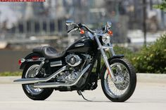 get my motorcycle license! yay this summer!! Harley Davidson Dyna Super Glide