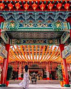 Thean Hou Temple in Kuala Lumpur Malaysia | Travel Couple Sue & Renesh | www.travelinoureyes.com  #kualalumpur #malaysia #temple #travel #culture