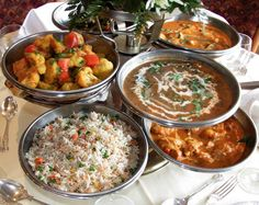 Brits love a good curry almost as much as a great G&T. So for National Curry Week we've created a guide to pair the right gin to your favourite curry. Indian Wedding Food, Wedding Reception Food, Indian Party, Wedding Ideas, Wedding Catering Prices, Party Catering, Catering Ideas, Vegan Catering, Outdoor Catering