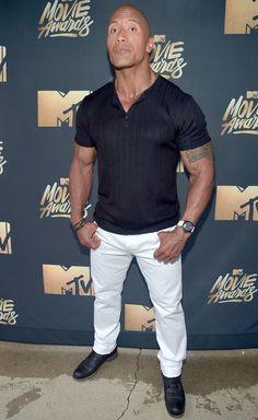 Dwayne Johnson Turns the MTV Movie Awards Into a Full-On Family Affair The Rock Dwayne Johnson, Rock Johnson, Dwayne The Rock, Hunger Games Problems, Hunger Games Humor, Best Butt Lifting Exercises, Johanna Mason, Handsome Black Men, Mtv Movie Awards