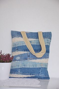 SHABBY Chic denim tote bag with lace detailing // for her // floral lining and inside pocket for phone and keys // recycled den Denim Handbags, Denim Tote Bags, Denim Purse, Mochila Tutorial, Laptop Bag For Women, Laptop Bags, Lace Bag, Jean Purses, Summer Handbags