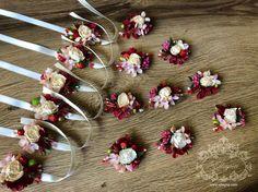 Buchețele handmade pentru cavaleri și domnișoare de onoare! Tel: 0683 38 555 http://www.elleyna.com/