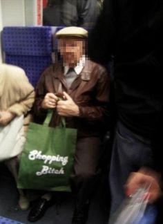 23 Bahn-Fail, die niemals aufhören lustig zu sein Good Humor, Funny Jokes, Fun Funny, Videos Funny, Paper Shopping Bag, Funny Pictures, Lol, Bahn, Movie Posters