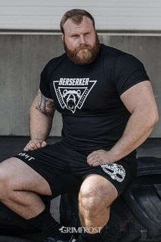 Men's Berserker short-sleeve shirt with a roaring bear print. The bear represents the state of mind of the raging Berserker. The shirt has soft, stretchy fabric that provides top comfort and support. Big Guys, Big Men, Mens Hairstyles With Beard, Scruffy Men, Rugby Men, Beard Model, Beefy Men, Gym Wear, Rugby Sport