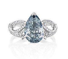 De Beers 1888 Master Diamonds Volute blue diamond ring