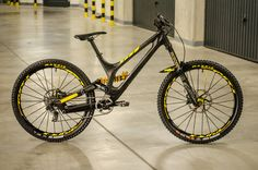 Specialized Demo Carbon - Jiří Gergel's Bike Check - Vital MTB