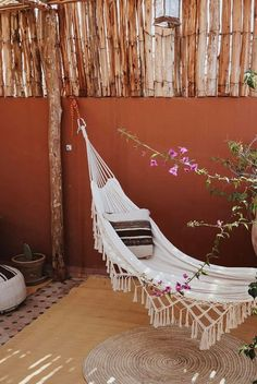 outdoor space with hammock You'll never want to go inside. Outside Living, Outdoor Living, Le Riad, Hanging Hammock, Hammock Balcony, Balcony Garden, To Go, Apartment Balconies, Apartments