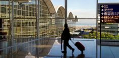 http://drupal.in-cdn.net/cdn/article/public/hong_kong_international_airport.jpg