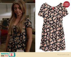 Haley's black floral dress on Modern Family.  Outfit Details: http://wornontv.net/37127/ #ModernFamily