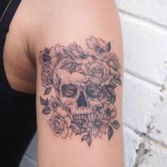 skullflowers #tattoo #tattoopeople #toronto #타투 #타투피플 #토론토