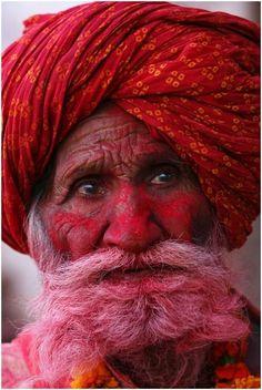 .Red | Rosso | Rouge | Rojo | Rød | 赤 | Vermelho | Color | Colour | Texture | Form | Pattern | Design |