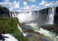 Iguazu Falls on the border of Argentina and Brazil. Study in either country through Drake Study Abroad.