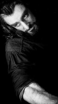 Richard Armitage as Thorin Oakenshield in The Hobbit Trilogy The Hobbit Movies, O Hobbit, The Almighty Johnsons, Concerning Hobbits, Desolation Of Smaug, Nature Music, Thorin Oakenshield, Jrr Tolkien, Thranduil