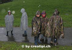 Intensiver Regen! Was würde besser schützen als eine wasserdichte Pelerine?