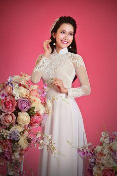 Hoa hau Phu nu Viet Nam qua anh 2012 dien ao dai voan hinh anh 1