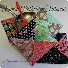 http://beadandneedle.blogspot.com/2013/01/fabric-potholder-tutorial.html