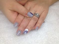 Gel grey, feathers & crystals :) My Nails, Feathers, Crystals, Grey, Beauty, Ash, Beleza, Gray, Crystals Minerals