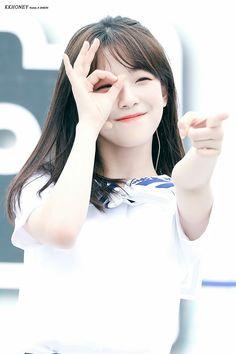 Hey you. S Girls, Sweet Girls, Kpop Girls, Cute Girls, Kpop Girl Groups, Korean Girl Groups, South Korean Girls, Beauty P, Idole