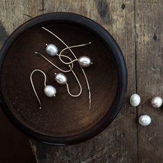 Simple and elegant Pearl Earrings. Square Earrings, Pearl Earrings, Drop Earrings, Maura, Fine Jewelry, Artisan, Pearls, Sterling Silver, Elegant