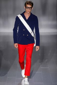 See all the Collection photos from Gucci Spring/Summer 2015 Menswear now on British Vogue Fashion Brands, Fashion Show, Mens Fashion, Milan Fashion, Fashion Menswear, Spring Summer 2015, Spring Summer Fashion, Vogue Paris, Stylish Men