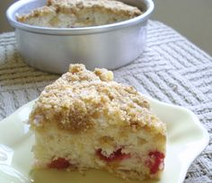 Plum Buckle (A streusel-topped cake that contains fresh fruit) Fruit Recipes, Baking Recipes, Dessert Recipes, Candy Recipes, Dessert Ideas, Small Cake Recipe For Two, Tapas, Dessert For Two, Cake Recipes From Scratch