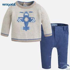 ba5afdfd446 Conjunto de bebe nño MAYORAL NEWBORN con jersey intarsia avion y pantalón  Μπλούζες, Πουλόβερ,