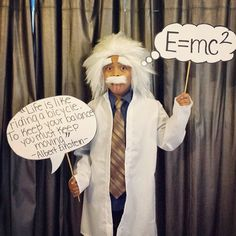 Lots of inspiration, diy & makeup tutorials and all accessories you need to create your own DIY Albert Einstein Costume for Halloween. Science Costumes, Teacher Costumes, Boy Costumes, Adult Costumes, Lion Halloween Costume, Halloween Kids, Albert Einstein Costume, Athlete Costume, Carnaval Kids