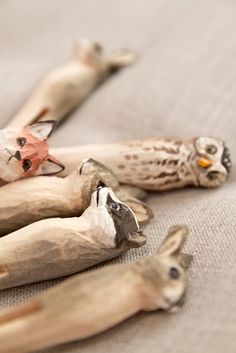 Animals Carved from Clothes Pegs  --  Dishfunctional Designs: Clothespins & Hangers Upcycled & Repurposed