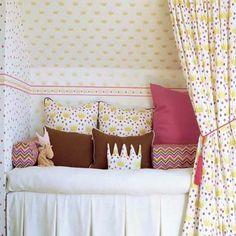 Beatrice fabric - gold - Sandberg Tyg & Tapet
