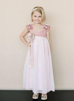 Magia en miniatura: Vestidos encantadores en lindos colores para tus pajes de boda
