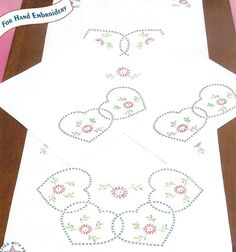 Jack Dempsey Starburst of Hearts Perle Edge Scarf & Doily Set Needle Art 448 33 Doilies, Cross Stitch Embroidery, Quilt Blocks, Needlework, Hearts, Stamp, Quilts, Dressmaking, Comforters