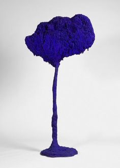 Yves Klein.   Website